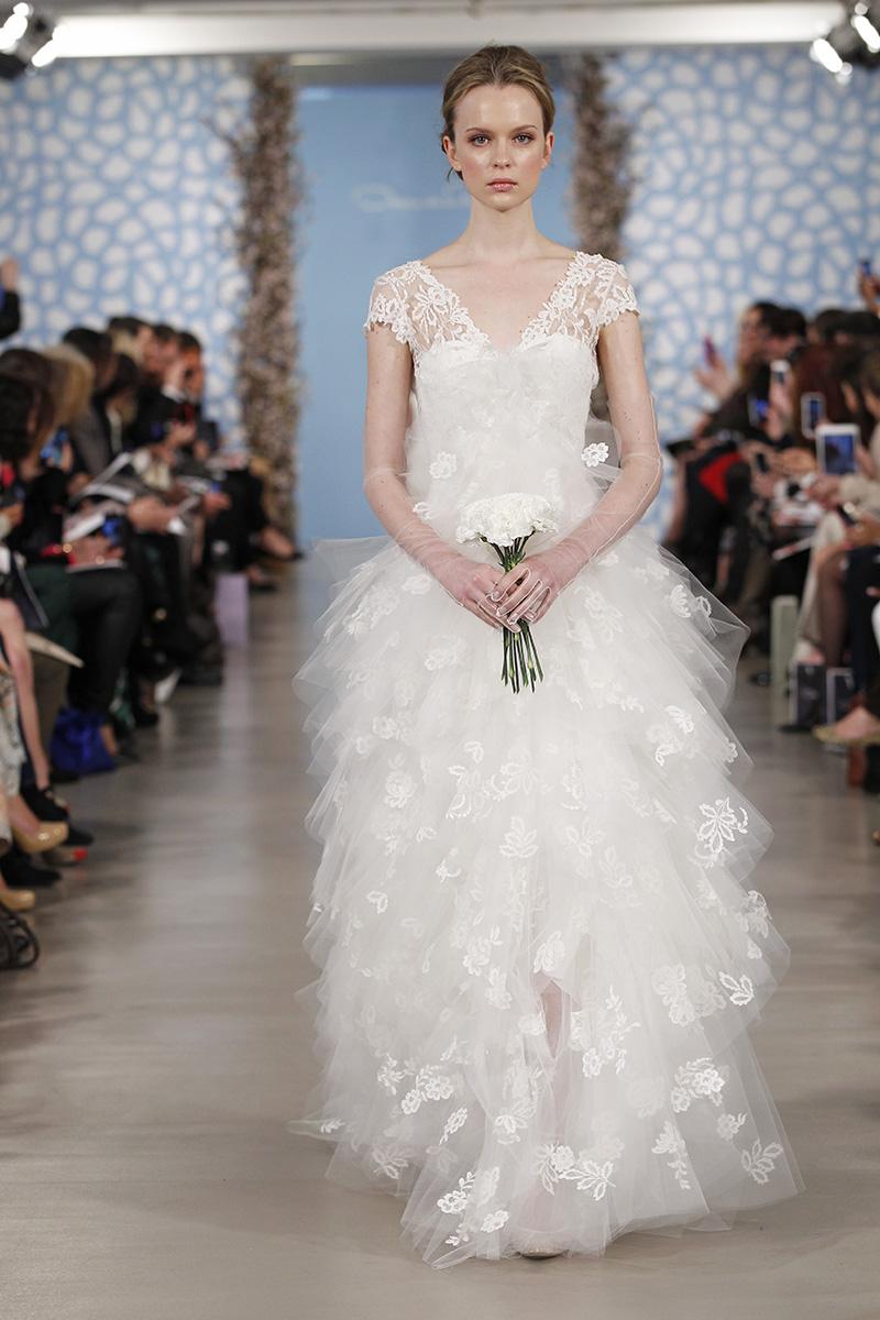 Wedding Dresses, A-line Wedding Dresses, Ruffled Wedding Dresses, Lace Wedding Dresses, Romantic Wedding Dresses, Vintage Wedding Dresses, Fashion, white, Classic Weddings, V-neck Wedding Dresses, Oscar de la renta, Wedding Dresses with Sleeves