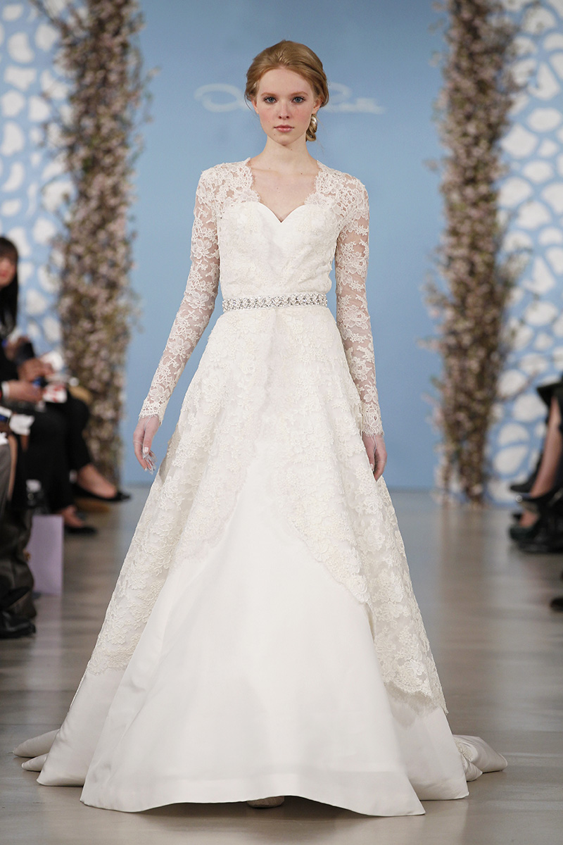 Wedding Dresses, A-line Wedding Dresses, Lace Wedding Dresses, Traditional Wedding Dresses, Fashion, white, Classic Weddings, V-neck Wedding Dresses, Oscar de la renta, Wedding Dresses with Sleeves