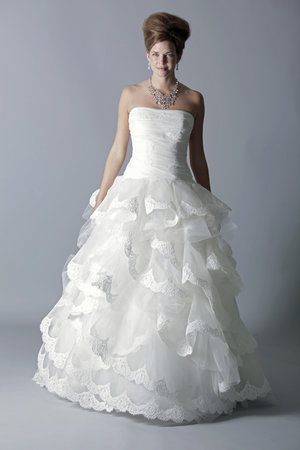 Wedding Dresses, Ball Gown Wedding Dresses, Ruffled Wedding Dresses, Fashion, Strapless Wedding Dresses, Rivini