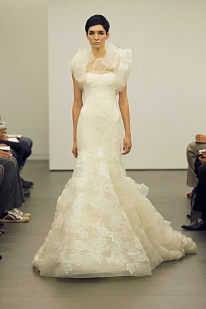 Wedding Dresses, Mermaid Wedding Dresses, Ruffled Wedding Dresses, Lace Wedding Dresses, Fashion, Winter Weddings, Modern Weddings, Vera wang, Wedding Dresses with Jackets