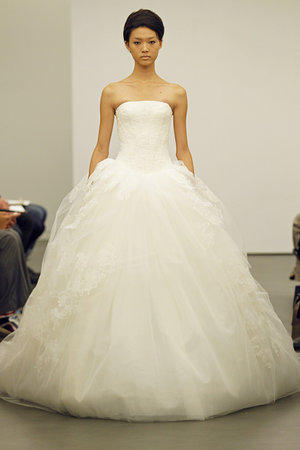 Wedding Dresses, Ball Gown Wedding Dresses, Ruffled Wedding Dresses, Fashion, Classic Weddings, Vera wang