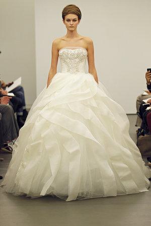 Wedding Dresses, Ball Gown Wedding Dresses, Ruffled Wedding Dresses, Traditional Wedding Dresses, Fashion, Classic Weddings, Modern Weddings, Vera wang