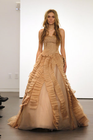 Wedding Dresses, Ruffled Wedding Dresses, Fashion, Vera wang, Tan