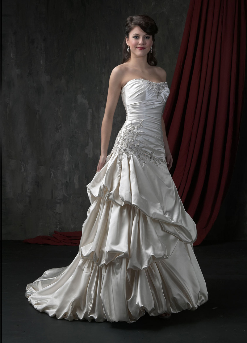 Wedding Dresses, Fashion, Strapless, Strapless Wedding Dresses, Beading, Satin, Pick-ups, Full skirt, Impression bridal, Beaded Wedding Dresses, satin wedding dresses