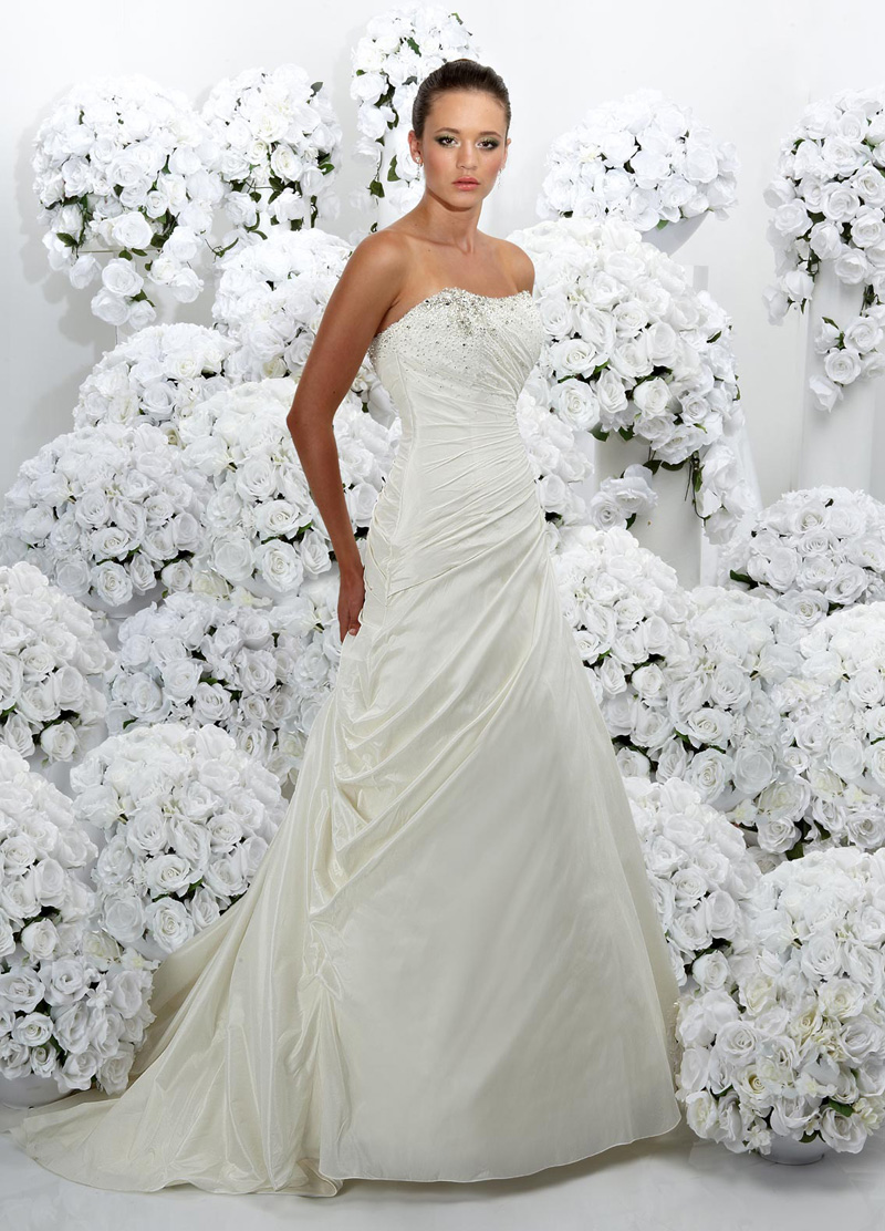 Wedding Dresses, Fashion, Strapless, Strapless Wedding Dresses, Beading, Taffeta, Pleats, Impression bridal, Beaded Wedding Dresses, taffeta wedding dresses