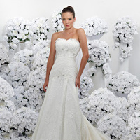 Wedding Dresses, Lace Wedding Dresses, Fashion, Lace, Strapless, Strapless Wedding Dresses, Tulle, Ruching, Impression bridal, floral embellishment, tulle wedding dresses