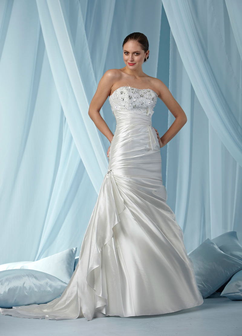 Wedding Dresses, Fashion, Taffeta, Pleats, Impression bridal, chapel train, empire waist, crystal beading, taffeta wedding dresses