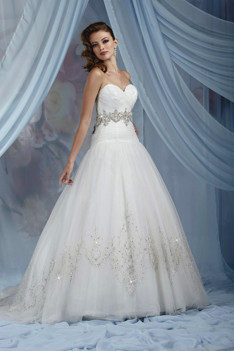 Wedding Dresses, Sweetheart Wedding Dresses, A-line Wedding Dresses, Fashion, Sweetheart, Strapless, Strapless Wedding Dresses, A-line, Beading, Tulle, Impression bridal, pleated bodice, Beaded Wedding Dresses, tulle wedding dresses