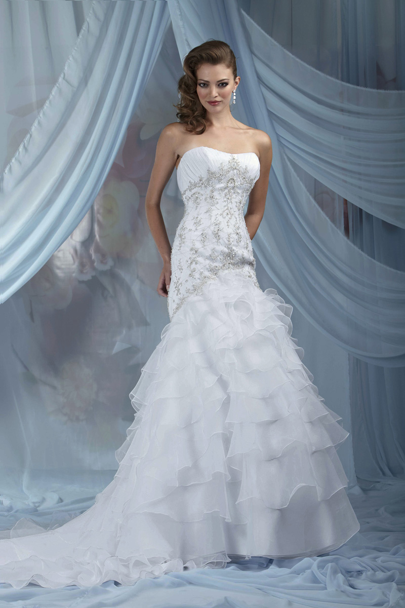 Wedding Dresses, Fashion, Strapless, Strapless Wedding Dresses, Organza, Impression bridal, dropped waist, ruffled skirt, organza wedding dresses, beading bodice