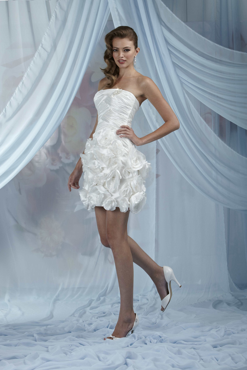 Wedding Dresses, Fashion, Strapless, Strapless Wedding Dresses, Rosette, Organza, Taffeta, Impression bridal, pleated bodice, organza wedding dresses, taffeta wedding dresses, short skirt, mini skirt