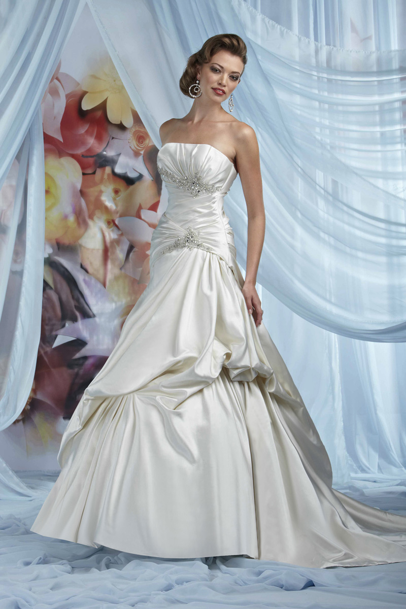 Wedding Dresses, Fashion, Beading, Satin, Pick-ups, Impression bridal, chapel train, pleated bust, Beaded Wedding Dresses, satin wedding dresses