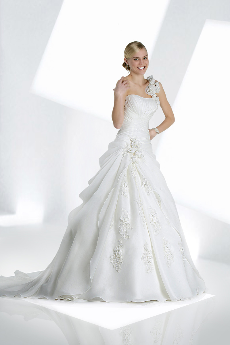 Wedding Dresses, Ball Gown Wedding Dresses, Fashion, Organza, Ruching, Ball gown, Impression bridal, dropped waist, one-strap, organza wedding dresses, floral strap, handmade flowers