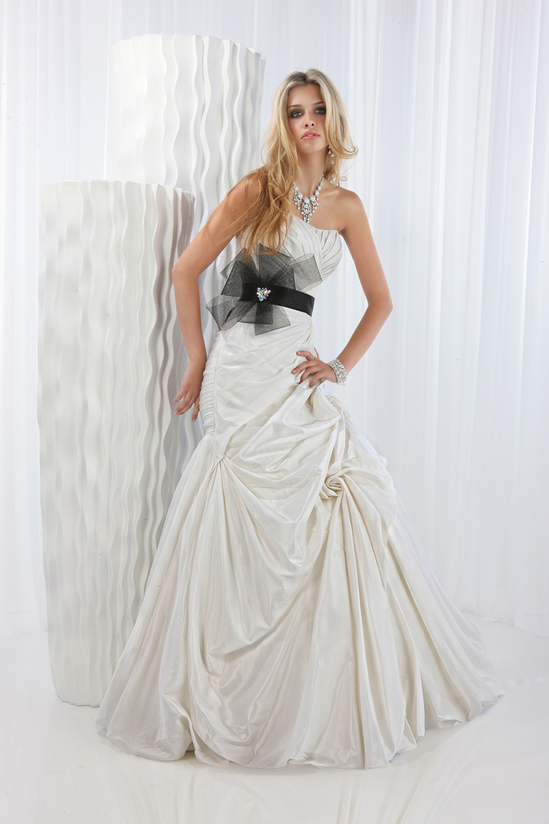 Wedding Dresses, Fashion, black, Strapless, Strapless Wedding Dresses, Belt, Taffeta, Pick-ups, Impression bridal, taffeta wedding dresses, tulle bow