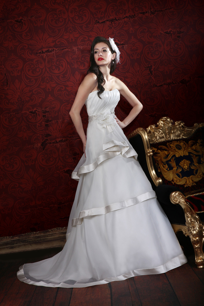 Wedding Dresses, A-line Wedding Dresses, Fashion, A-line, Organza, Impression bridal, empire waist, pleated bodice, tiered skirt, organza wedding dresses