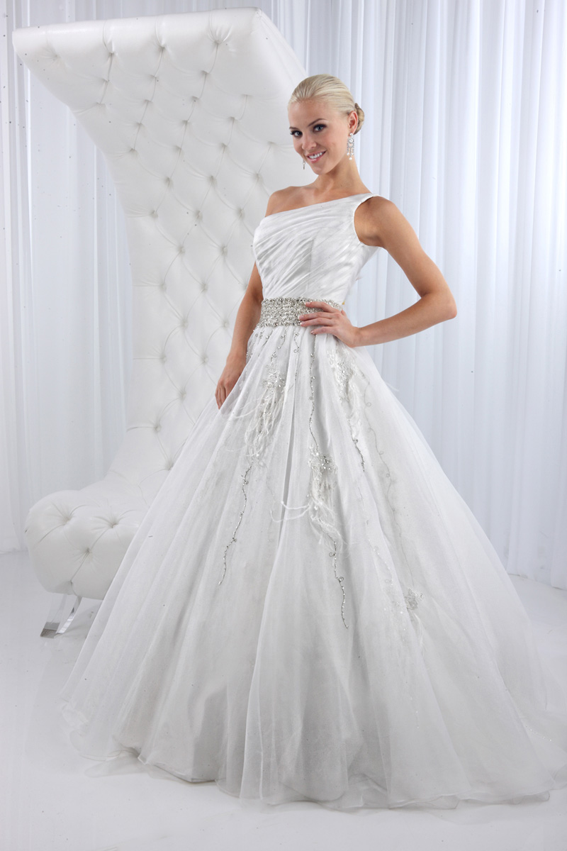 Wedding Dresses, One-Shoulder Wedding Dresses, A-line Wedding Dresses, Fashion, A-line, Embroidery, Beaded belt, Impression bridal, One-shoulder, chapel train