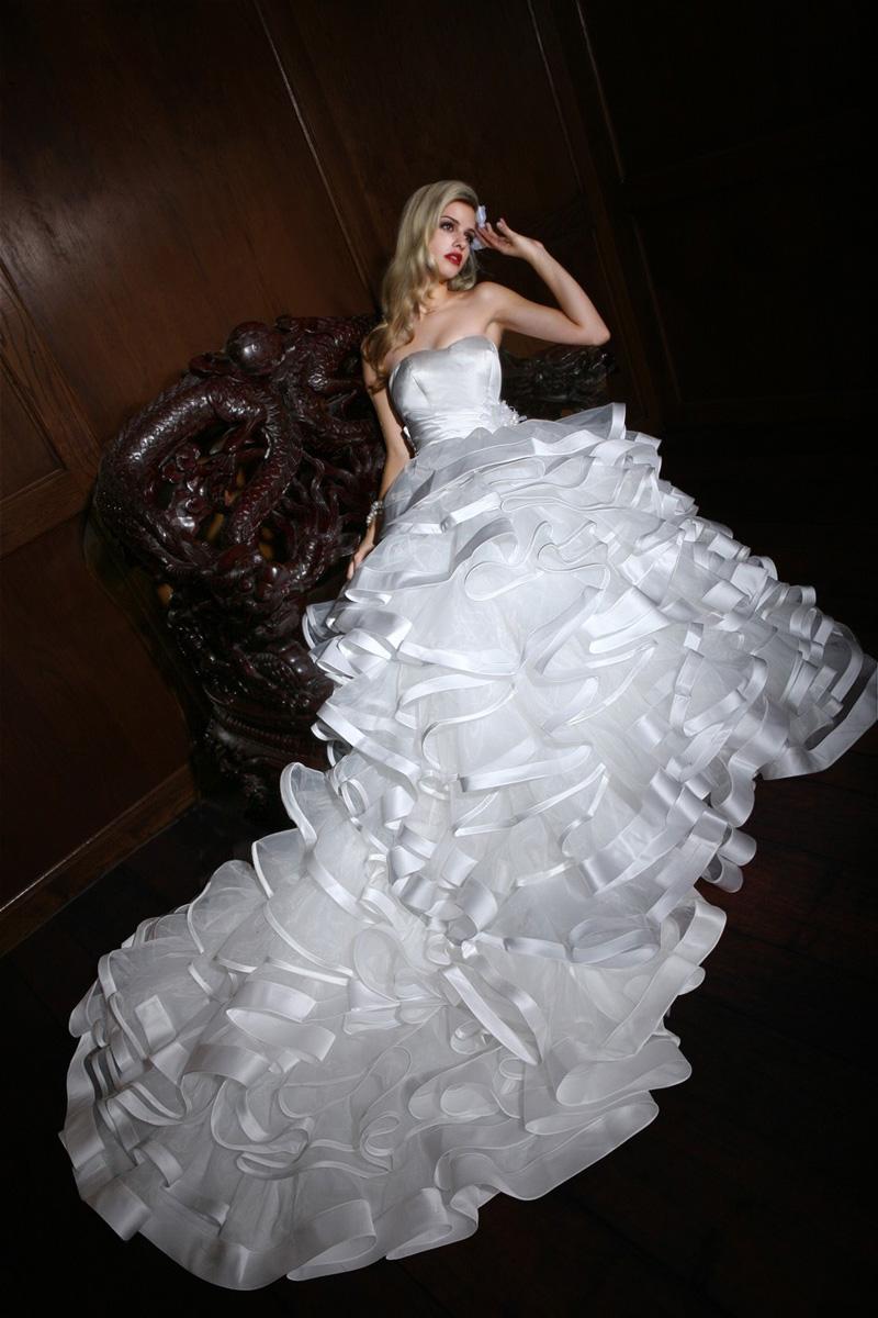 Wedding Dresses, Sweetheart Wedding Dresses, Fashion, Sweetheart, Strapless, Strapless Wedding Dresses, Satin, Impression bridal, layered skirt, handmade flowers, satin wedding dresses