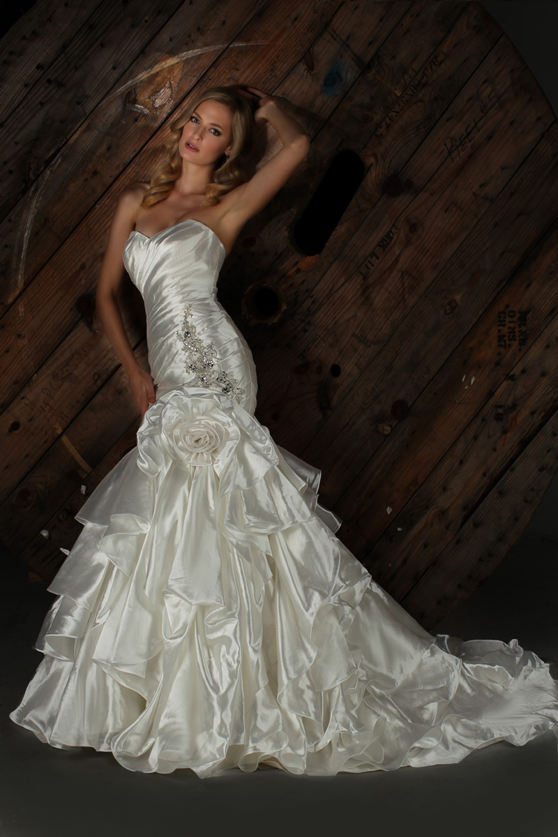 Wedding Dresses, Sweetheart Wedding Dresses, Fashion, Flower, Sweetheart, Strapless, Strapless Wedding Dresses, Taffeta, Impression bridal, dropped waist, layered skirt, taffeta wedding dresses