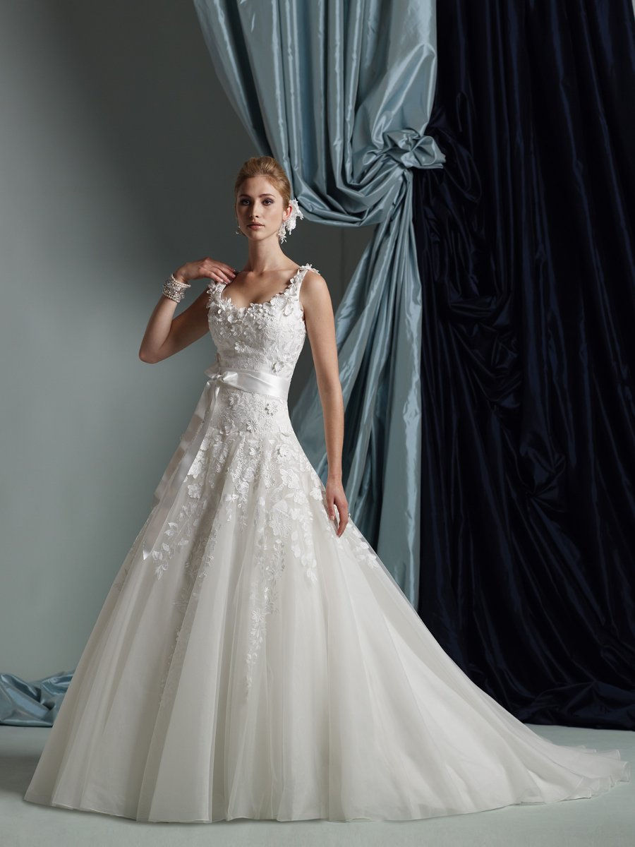 Wedding Dresses, Fashion, Sash, James clifford collection, Tule, chapel train, 3D flowers, scoop neckline