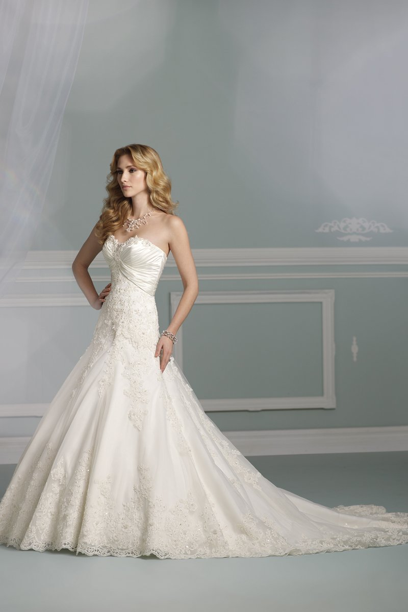Wedding Dresses, Sweetheart Wedding Dresses, A-line Wedding Dresses, Lace Wedding Dresses, Fashion, Lace, Sweetheart, Strapless, Strapless Wedding Dresses, A-line, Beading, Tulle, James clifford collection, chapel train, Beaded Wedding Dresses, tulle wedding dresses