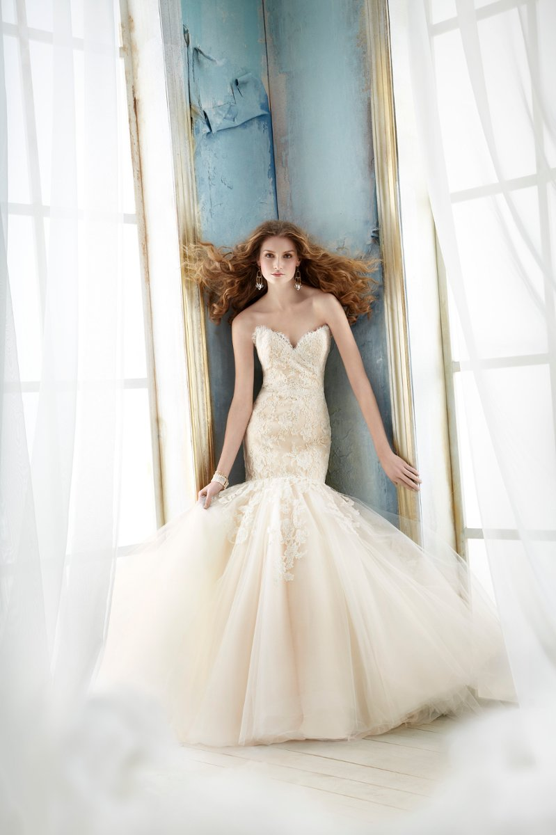 Wedding Dresses, Sweetheart Wedding Dresses, Ruffled Wedding Dresses, Lace Wedding Dresses, Fashion, ivory, Modern, Mermaid, Lace, Jim hjelm, Sweetheart, Strapless, Strapless Wedding Dresses, Trumpet, Floor, Organza, Ruffles, Sleeveless, dropped waist, Modern Wedding Dresses, organza wedding dresses, Floor Wedding Dresses