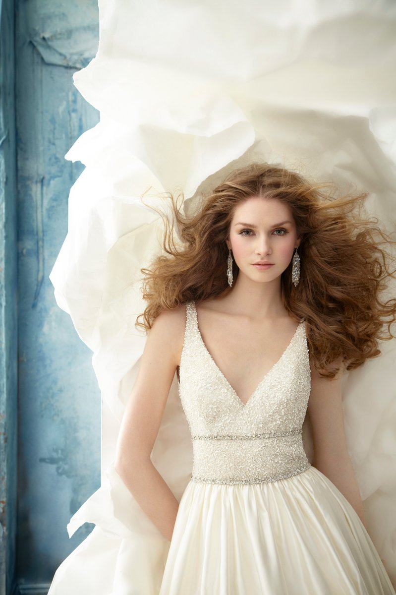 Wedding Dresses, Ball Gown Wedding Dresses, Fashion, ivory, Modern, Jim hjelm, Spaghetti straps, V-neck, V-neck Wedding Dresses, Satin, Floor, Natural, Silk, Beaded, Sleeveless, Embellished, Ball gown, Modern Wedding Dresses, satin wedding dresses, Spahetti Strap Wedding Dresses, Silk Wedding Dresses, Floor Wedding Dresses