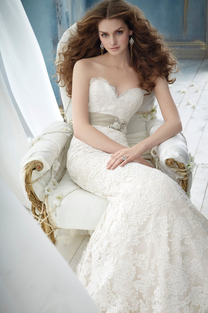 Wedding Dresses, Sweetheart Wedding Dresses, A-line Wedding Dresses, Lace Wedding Dresses, Vintage Wedding Dresses, Fashion, white, ivory, Vintage, Classic, Flowers, Lace, Jim hjelm, Sweetheart, Strapless, Strapless Wedding Dresses, A-line, Beading, Sash, Belt, Floor, Sleeveless, Beaded Wedding Dresses, Classic Wedding Dresses, Flower Wedding Dresses, Floor Wedding Dresses