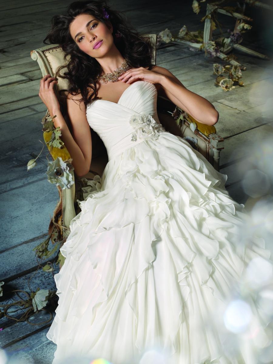 Wedding Dresses, Sweetheart Wedding Dresses, A-line Wedding Dresses, Romantic Wedding Dresses, Fashion, ivory, Flowers, Romantic, Jim hjelm, Sweetheart, Strapless, Strapless Wedding Dresses, A-line, Natural waist, Chiffon, Formal, Bridal gown, Silk, Ruffle, Flower Wedding Dresses, Chiffon Wedding Dresses, Formal Wedding Dresses, Silk Wedding Dresses