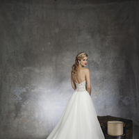 Ball Gown Wedding Dresses, Romantic Wedding Dresses, Fashion, Fall, Romantic, Strapless, Strapless Wedding Dresses, Beading, Tulle, Wedding dress, Justin Alexander, Sleeveless, Ball gown, Beaded Wedding Dresses, Forma, tulle wedding dresses, Fall Wedding Dresses