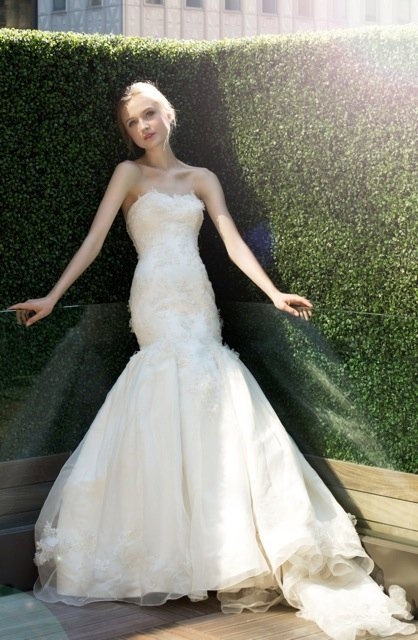 Wedding Dresses, Sweetheart Wedding Dresses, Mermaid Wedding Dresses, Romantic Wedding Dresses, Fashion, ivory, Flowers, Romantic, Sweetheart, Strapless, Strapless Wedding Dresses, Beading, Floor, Organza, Ballroom, Dropped, Avant-Garde, Fit-n-Flare, modern space, Kelly Faetanini, Beaded Wedding Dresses, organza wedding dresses, Flower Wedding Dresses, Floor Wedding Dresses