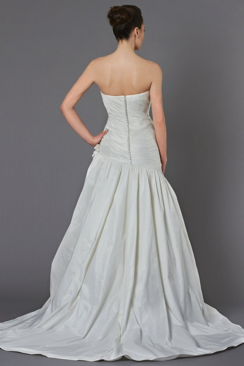 Wedding Dresses, Sweetheart Wedding Dresses, Mermaid Wedding Dresses, Fashion, ivory, Flowers, Shabby Chic, Sweetheart, Strapless, Strapless Wedding Dresses, Floor, Formal, Ballroom, Dropped, Taffeta, Ruching, Fit-n-Flare, historic site, Kelly Faetanini, taffeta wedding dresses, Flower Wedding Dresses, Formal Wedding Dresses, Floor Wedding Dresses, Shabby Chic Wedding Dresses