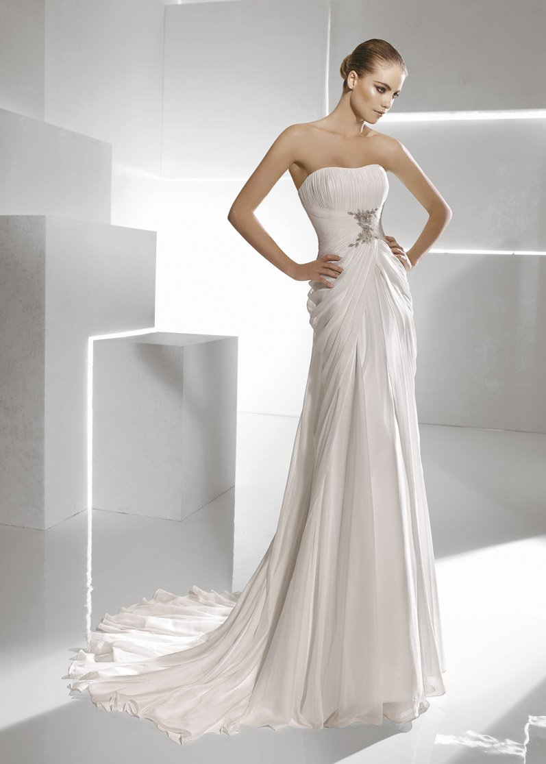 Wedding Dresses, Sweetheart Wedding Dresses, Romantic Wedding Dresses, Vintage Wedding Dresses, Fashion, white, silver, Vintage, Classic, Romantic, Sweetheart, Strapless, Strapless Wedding Dresses, Beading, Empire, Sheath, Floor, Chiffon, Formal, La sposa, Pleats, Sleeveless, Ruching, Beaded Wedding Dresses, Classic Wedding Dresses, Sheath Wedding Dresses, Chiffon Wedding Dresses, Formal Wedding Dresses, Floor Wedding Dresses