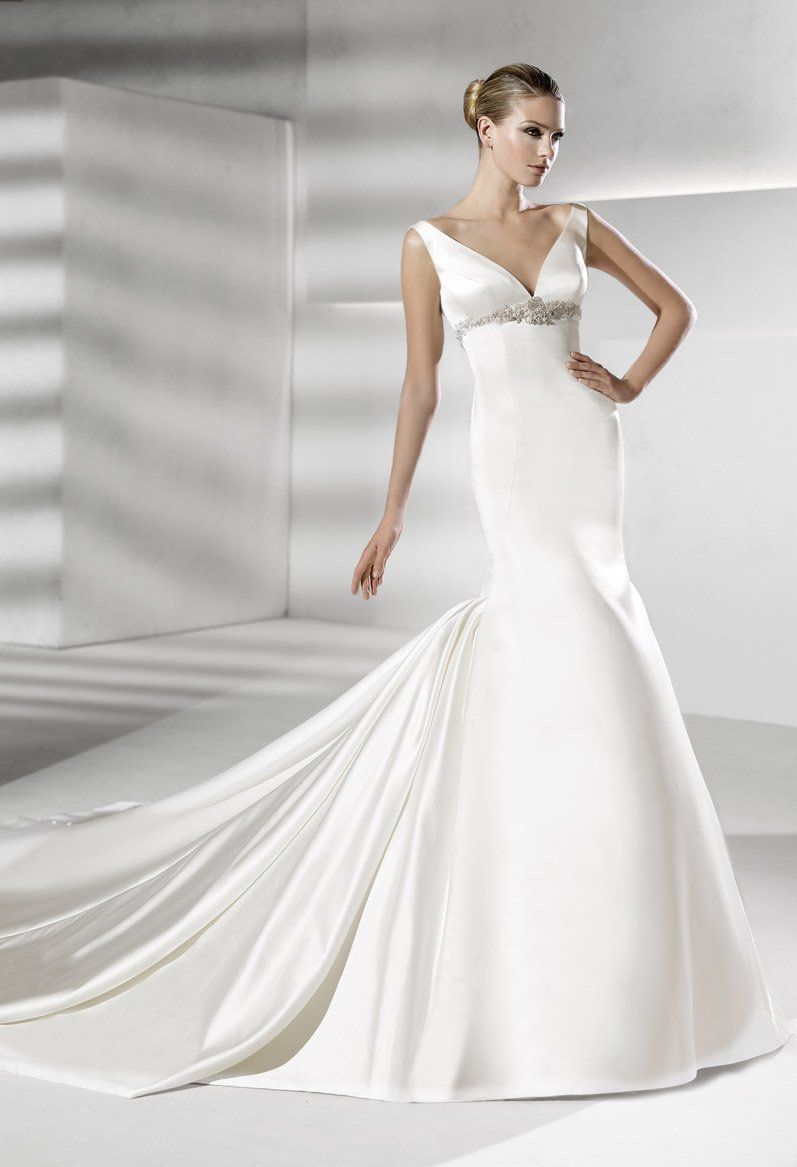 Wedding Dresses, Vintage Wedding Dresses, Hollywood Glam Wedding Dresses, Fashion, white, silver, Vintage, Mermaid, Spaghetti straps, Beading, V-neck, V-neck Wedding Dresses, Fit and flare, Trumpet, Satin, Floor, Formal, Dropped, La sposa, Sleeveless, hollywood glam, Beaded Wedding Dresses, satin wedding dresses, Spahetti Strap Wedding Dresses, Formal Wedding Dresses, Floor Wedding Dresses