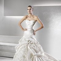 Wedding Dresses, Sweetheart Wedding Dresses, Ball Gown Wedding Dresses, Ruffled Wedding Dresses, Fashion, white, ivory, Sweetheart, Strapless, Strapless Wedding Dresses, Tulle, Floor, Ruffles, La sposa, Taffeta, Pleats, Pick-ups, Sleeveless, Ball gown, Avant-Garde, taffeta wedding dresses, tulle wedding dresses, Floor Wedding Dresses