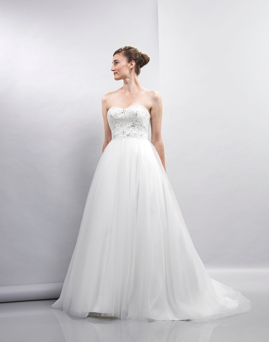 Wedding Dresses, Sweetheart Wedding Dresses, Ball Gown Wedding Dresses, Romantic Wedding Dresses, Hollywood Glam Wedding Dresses, Fashion, white, ivory, Spring, Romantic, Sweetheart, Strapless, Strapless Wedding Dresses, Beading, Tulle, Satin, Floor, Formal, Natural, Sleeveless, Ball gown, Lis simon, hollywood glam, Beaded Wedding Dresses, Spring Wedding Dresses, tulle wedding dresses, satin wedding dresses, Formal Wedding Dresses, Floor Wedding Dresses