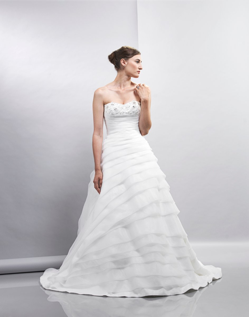 Wedding Dresses, Sweetheart Wedding Dresses, Ball Gown Wedding Dresses, Romantic Wedding Dresses, Fashion, white, ivory, Spring, Classic, Romantic, Sweetheart, Strapless, Strapless Wedding Dresses, Beading, Floor, Formal, Organza, Natural, Tiers, Sleeveless, Ball gown, Lis simon, Beaded Wedding Dresses, organza wedding dresses, Spring Wedding Dresses, Classic Wedding Dresses, Formal Wedding Dresses, Floor Wedding Dresses, Tiered Wedding Dresses