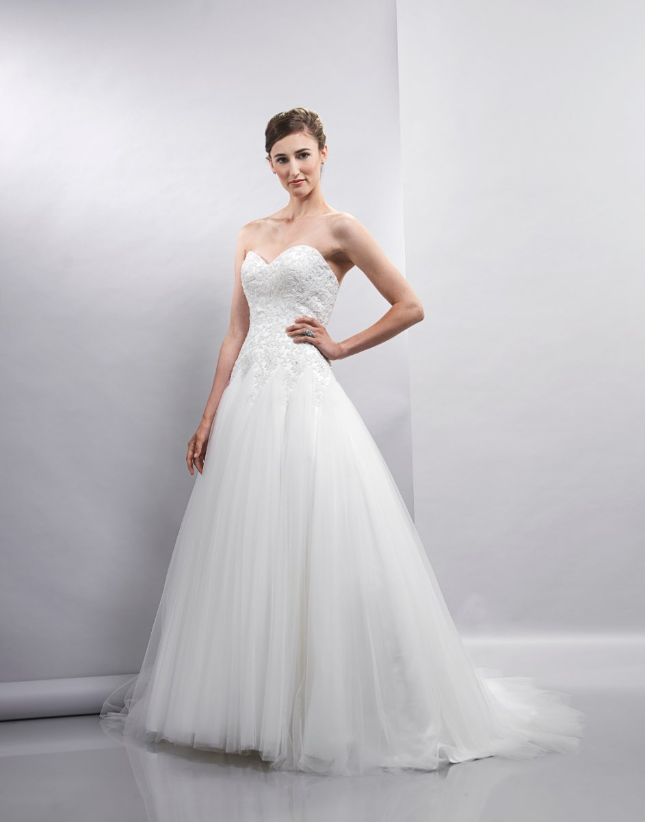 Wedding Dresses, Sweetheart Wedding Dresses, A-line Wedding Dresses, Lace Wedding Dresses, Romantic Wedding Dresses, Fashion, white, ivory, Spring, Classic, Romantic, Lace, Sweetheart, Strapless, Strapless Wedding Dresses, A-line, Tulle, Floor, Formal, Natural, Sleeveless, Lis simon, Spring Wedding Dresses, Classic Wedding Dresses, tulle wedding dresses, Formal Wedding Dresses, Floor Wedding Dresses