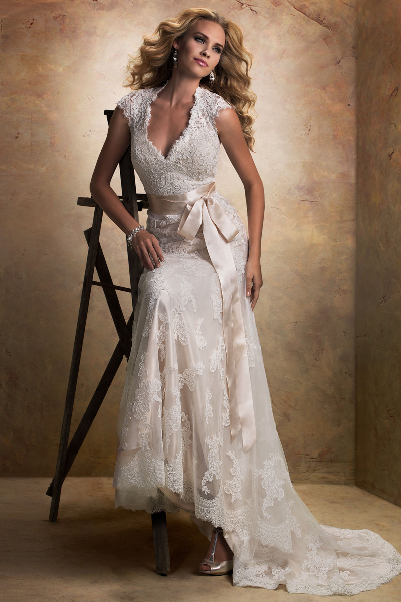 Wedding Dresses, Lace Wedding Dresses, Fashion, Lace, Cap sleeves, Sash, V-neck, V-neck Wedding Dresses, Tulle, Maggie Sottero, Satin, Open-back, tulle wedding dresses, satin wedding dresses