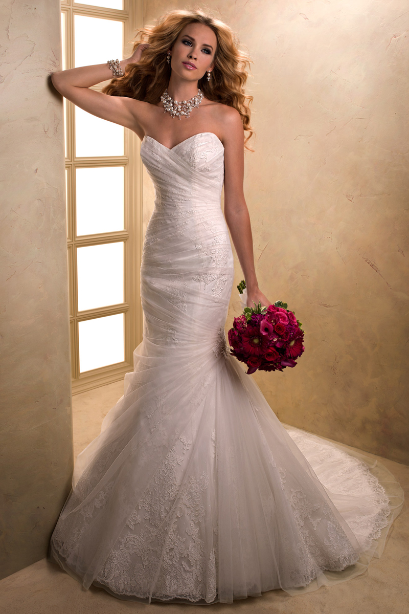 Wedding Dresses, Sweetheart Wedding Dresses, Lace Wedding Dresses, Fashion, Lace, Sweetheart, Strapless, Strapless Wedding Dresses, Fit and flare, Tulle, Maggie Sottero, Ruching, tulle wedding dresses