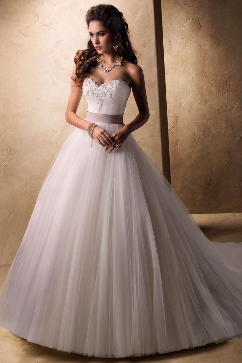 Wedding Dresses, Sweetheart Wedding Dresses, Ball Gown Wedding Dresses, Fashion, Sweetheart, Strapless, Strapless Wedding Dresses, Natural waist, Tulle, Maggie Sottero, Full skirt, Ball gown, grosgrain ribbon belt, embellished lace, tulle wedding dresses