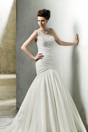 Wedding Dresses, A-line Wedding Dresses, Fashion, Modern, Mermaid, A-line, Off the shoulder, Beading, Glamorous, Trumpet, Formal, Tank, Dropped, Taffeta, Sleeveless, Modeca, chapel train, floor length, Off the Shoulder Wedding Dresses, Modern Wedding Dresses, Beaded Wedding Dresses, taffeta wedding dresses, Formal Wedding Dresses