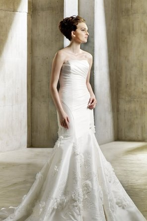 Wedding Dresses, Lace Wedding Dresses, Romantic Wedding Dresses, Fashion, Mermaid, Romantic, Lace, Elegant, Strapless, Strapless Wedding Dresses, Formal, Dropped, Taffeta, Sleeveless, Modeca, Appliques, floor length, court train, taffeta wedding dresses, Formal Wedding Dresses