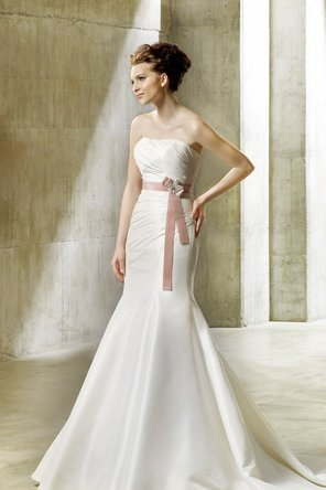 Wedding Dresses, Fashion, Mermaid, Strapless, Strapless Wedding Dresses, Beading, Applique, Trumpet, Ribbons, Sashes, Dropped, Taffeta, Sleeveless, Modeca, chapel train, floor length, Beaded Wedding Dresses, taffeta wedding dresses