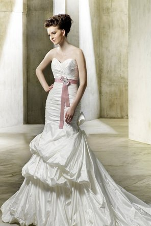 Wedding Dresses, Sweetheart Wedding Dresses, Romantic Wedding Dresses, Fashion, Mermaid, Romantic, Sweetheart, Strapless, Strapless Wedding Dresses, Glamorous, Applique, Trumpet, Taffeta, Sleeveless, Modeca, chapel train, floor length, taffeta wedding dresses