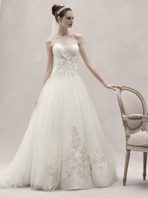 One-Shoulder Wedding Dresses, Ball Gown Wedding Dresses, Lace Wedding Dresses, Romantic Wedding Dresses, Fashion, Romantic, Lace, Tulle, Floor, Formal, Wedding dress, Oleg cassini, Ruching, Ball gown, One-shoulder, Sleveless, tulle wedding dresses, Formal Wedding Dresses, Floor Wedding Dresses