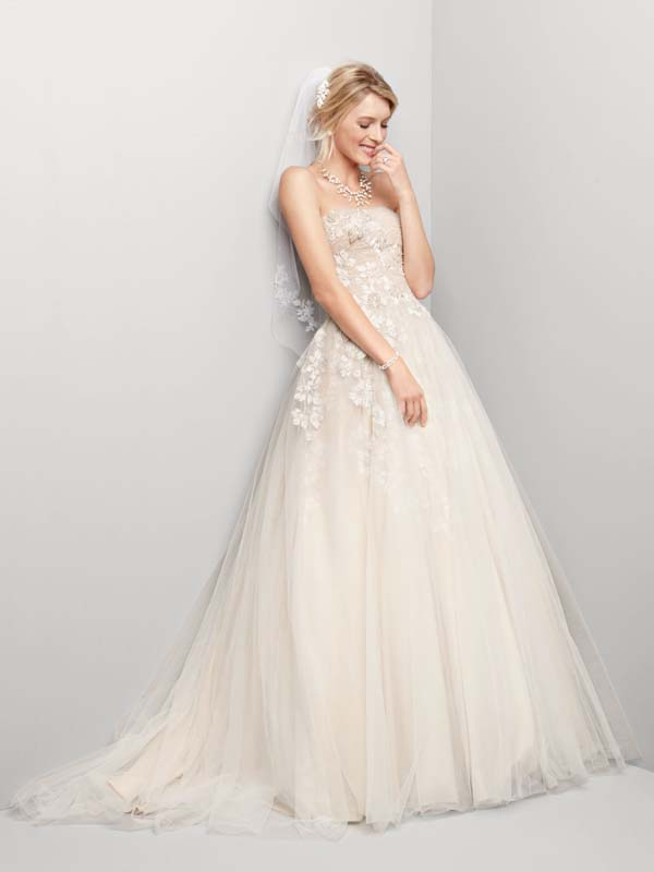 Ball Gown Wedding Dresses, Fashion, white, ivory, Flowers, Strapless, Strapless Wedding Dresses, Tulle, Floor, Wedding dress, Oleg cassini, Sleeveless, Ball gown, tulle wedding dresses, Flower Wedding Dresses, Floor Wedding Dresses