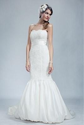 Wedding Dresses, Sweetheart Wedding Dresses, Fashion, Gown, Sweetheart, Strapless, Strapless Wedding Dresses, Olia zavozina, bubble hem, alencon lace, silk shantung, lace overly