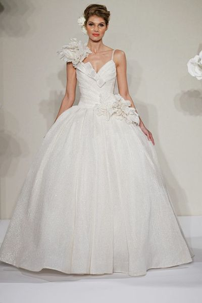 Wedding Dresses, Ruffled Wedding Dresses, Fashion, Spaghetti straps, V-neck, V-neck Wedding Dresses, Natural waist, Silk, Ruffles, Pnina tornai, Full skirt, chapel train, 3D flower, Spahetti Strap Wedding Dresses, Silk Wedding Dresses