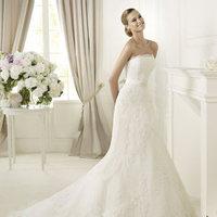 Wedding Dresses, Lace Wedding Dresses, Fashion, Lace, Strapless, Strapless Wedding Dresses, Fit and flare, Tulle, Pronovias, Bow, Pronovias Costura, narrow belt, tulle wedding dresses