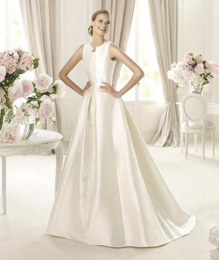 Wedding Dresses, A-line Wedding Dresses, Fashion, A-line, Embroidery, Pronovias, Sleeveless, pleated skirt, bateau, Bateau Wedding Dresses, tank straps, Pronovias Costura