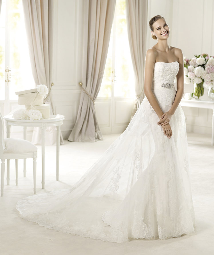 Wedding Dresses, A-line Wedding Dresses, Lace Wedding Dresses, Fashion, Lace, Strapless, Strapless Wedding Dresses, A-line, Beading, Tulle, Pronovias, Beaded Wedding Dresses, Pronovias Costura, tulle belt, tulle overskirt, tulle wedding dresses